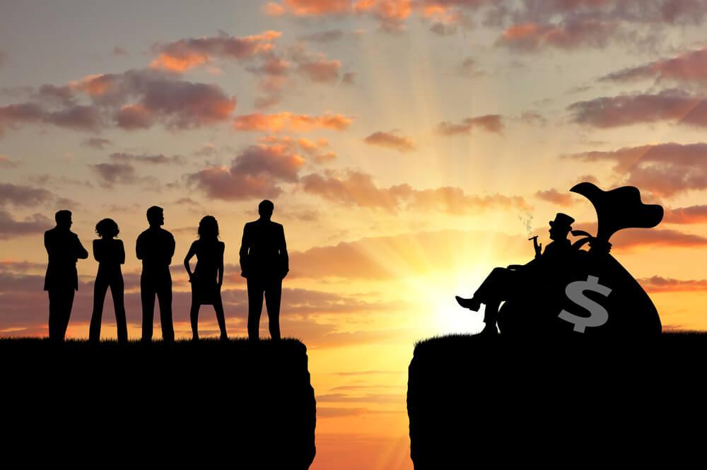 投資する人と投資しない人で格差が広がる?格差社会で生き抜いていくためには?